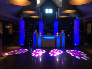 bruiloft DJ show Zuiver Utrecht blauw