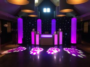 bruiloft DJ show Zuiver Utrecht roze